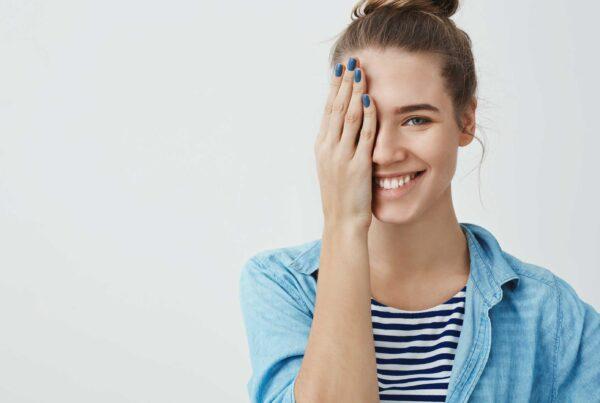 Salud y seguridad: protección ocular láser para centros de belleza.